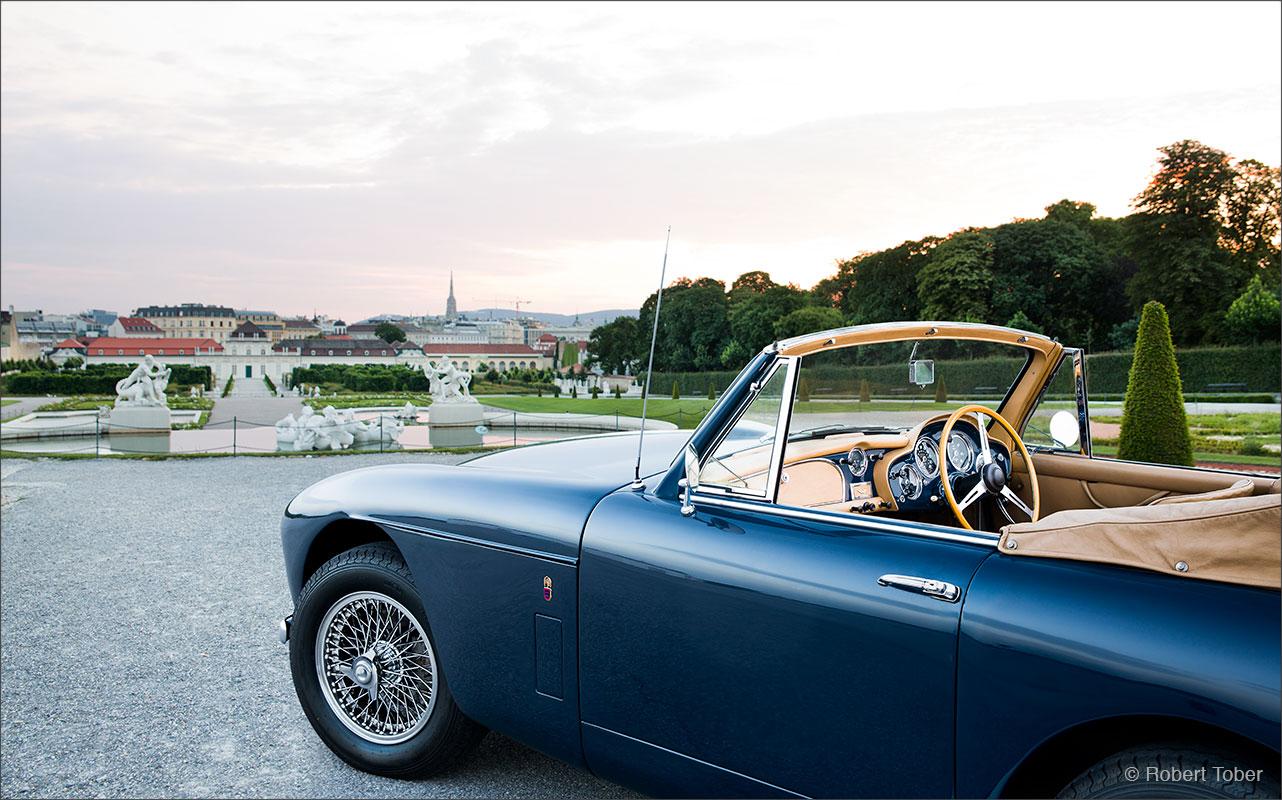 aston-martin-db-mark-3-convertible-sportwagen-klassiker-schlosspark-belvedere-fotografie-by-robert-tober