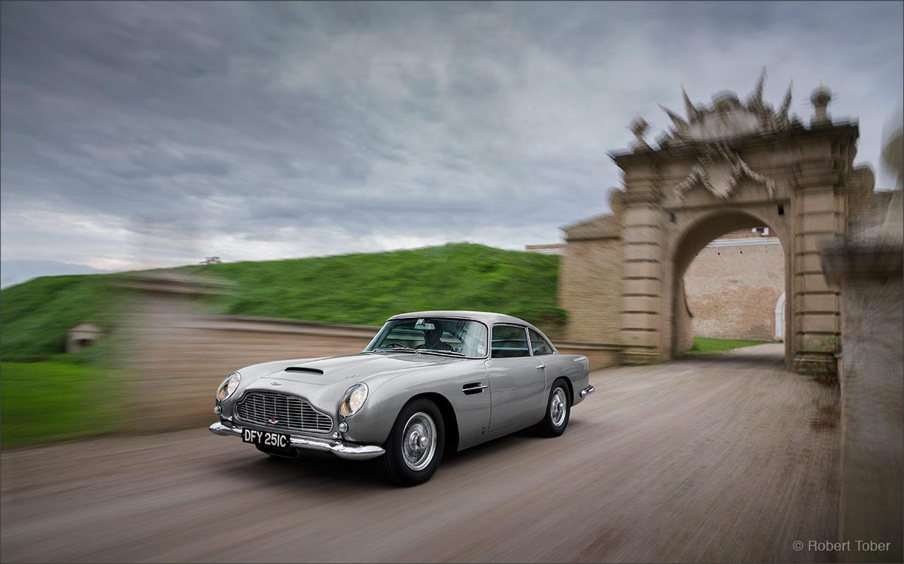 aston-martin-db5-james-bond-car-luxus-sportwagen-foto-by-robert-tober