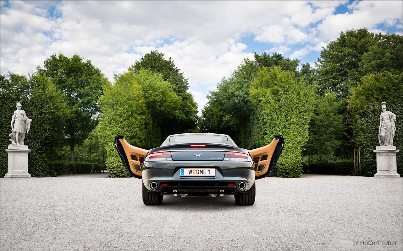 aston-martin-rapide-v12-luxus-sportwagen-schlosspark-schoenbrunn-fotografie-by-robert-tober