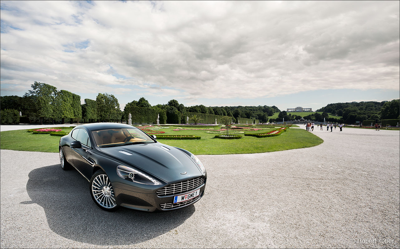 aston-martin-rapide-v12-luxus-sportwagen-wien-schoenbrunn-fotografie-by-robert-tober